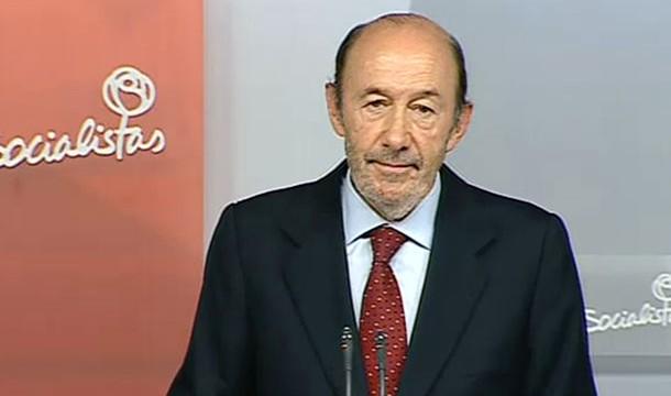 Rubalcaba se va y convoca congreso extraordinario del PSOE para julio