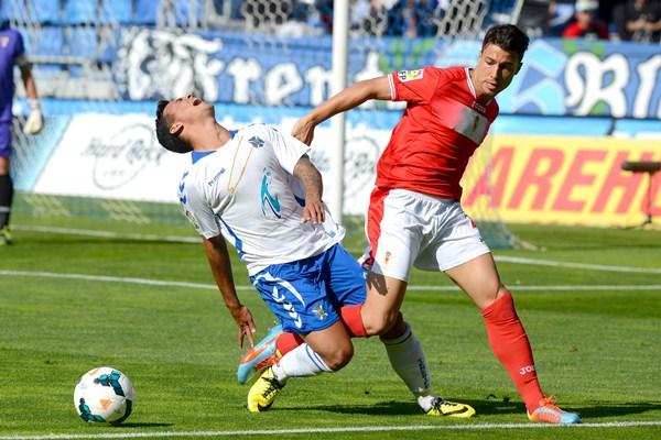 Otra dolorosa derrota del Tenerife. | SERGIO MÉNDEZ