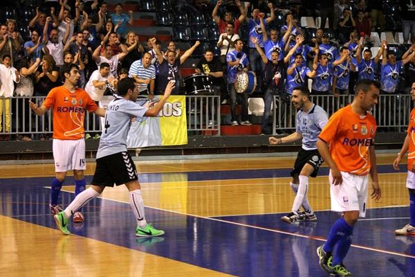 El conjunto tinerfeño debe ganar el próximo encuentro ante el Brihuela para forzar el tercer partido.   DA