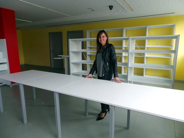La edil Verónica Rodríguez, durante una visita al nuevo centro. / M. P.