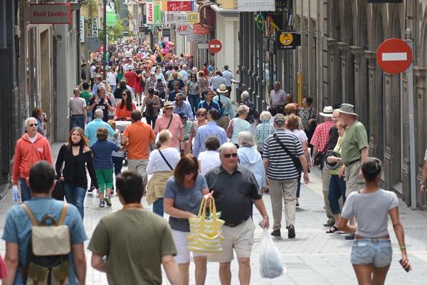 La afluencia de público también fue notoria en la calle Castillo. | S.M.