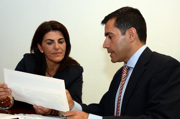 Dorta y Martínez en la reunión sobre el futuro puerto de Fonsalía. / DA