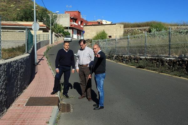 Sosa, Niño y García visitaron el barrio de Cabo Blanco./ DA