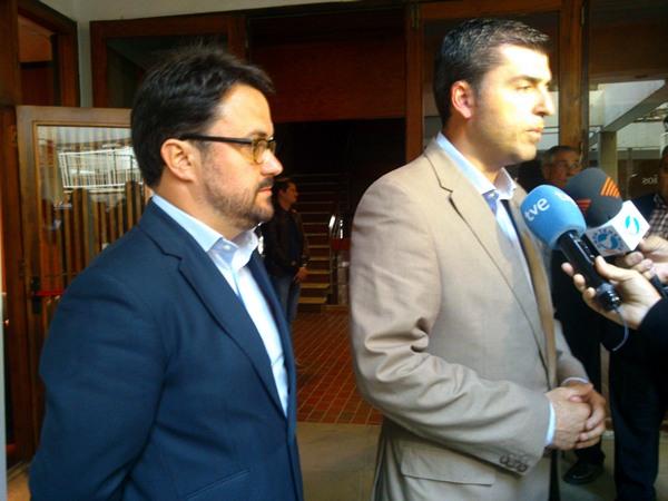 Asier Antona y Manuel Domínguez  antes de la reunión de la Ejecutiva insular del PP.   V.P.