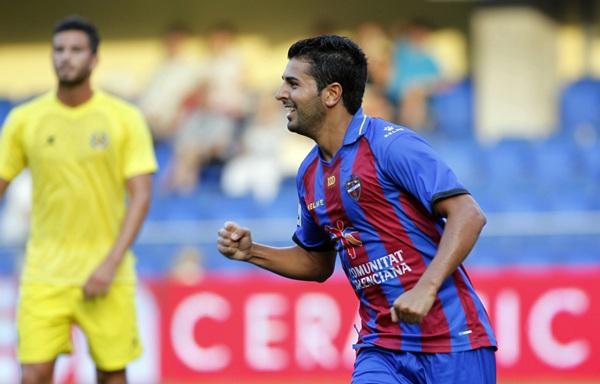 El tinerfeño Ángel Rodríguez, ahora en el Levante, es uno de los posibles candidatos a llegar al Tenerife. / C. R.