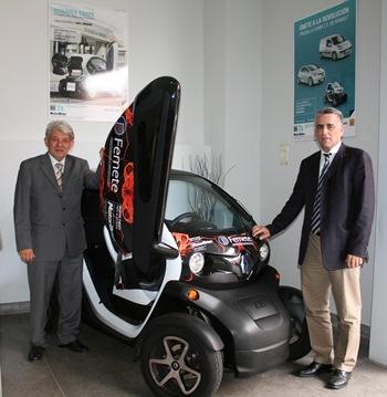 del presidente de Femete, José Luis García Martínez, y el jefe de Ventas de Motor Arisa, José Manuel Herrera León.
