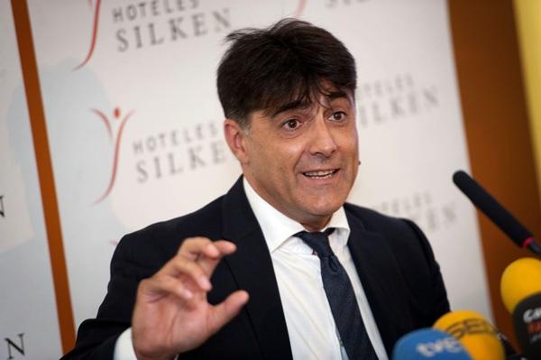 César Gómez, durante la rueda de prensa ofrecida ayer. / FRAN PALLERO