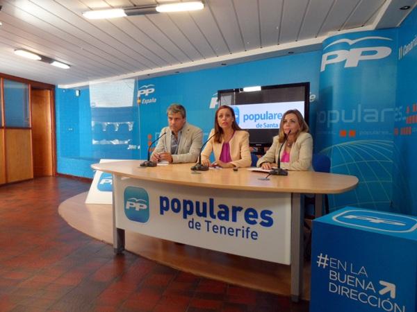 Carlos Garcinuño, Cristina Tavío y Ana Zurita, en la rueda de prensa de prensa de ayer. / DA