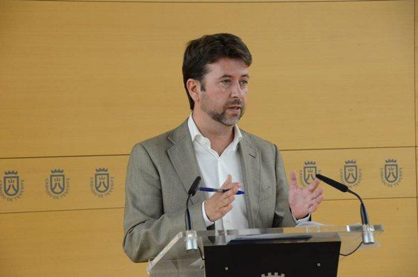 Carlos Alonso, ayer en rueda de prensa. | DA
