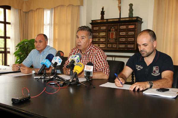 Delgado, Fraga y Díaz destacaron la buena salud financiera del Ayuntamiento. | DA