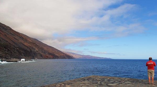 El proyecto de parque marino abarca el Mar de las Calmas y una amplia superficie de las aguas que rodean la Isla. / DA