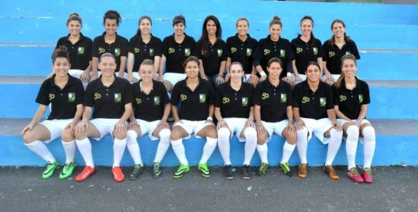 Las jugadoras del Granadilla Tenerife Sur quieren hacer historia y lograr después de veinte años ascender un equipo femenino de Tenerife a la Primera División. / soccercanarias