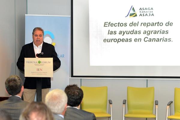 El presidente de Asaga, Henry Sicilia, durante la charla de ayer en La Laguna. / SERGIO MÉNDEZ
