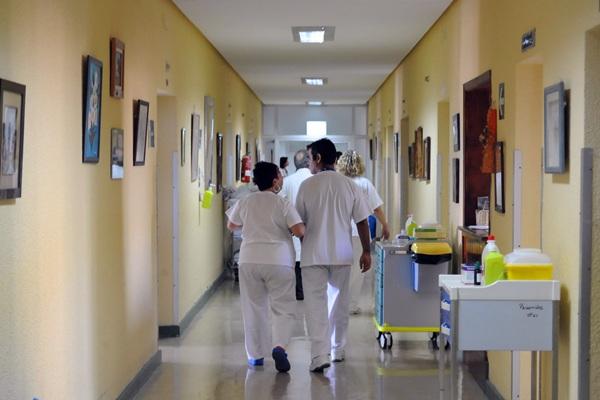 Las únicas camas de paliativos con las que cuenta la Isla están en el Hospital del Tórax del HUNSC. / DA