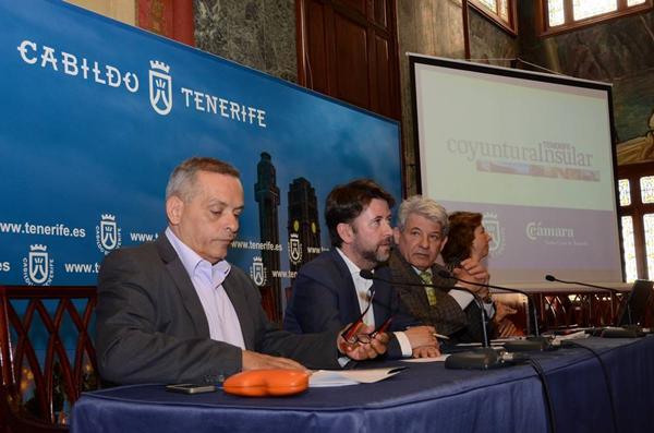 Medina, Alonso, García y Pérez, ayer durante la presentación del boletín. | DA