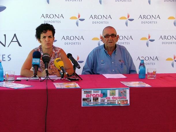 La concejal de Deportes de Arona, Mónica Sierra, junto al presidente de Zapatera Sport, José Rodríguez.