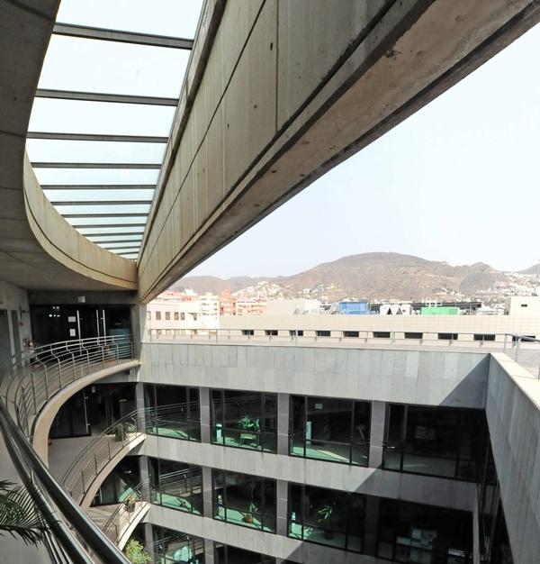 Oficinas del Gobierno canario en Santa Cruz de Tenerife. / DA
