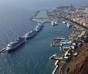 Vista general del puerto de Santa Cruz.   DA