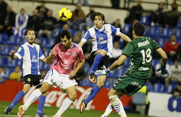 Roberto y Javi Moyano, en un partido de la temporada pasada ante el Hércules en Alicante. | DA