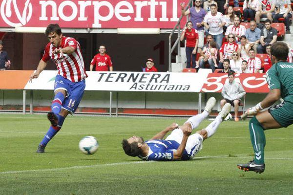 Imagen del primer gol anotado por el Sporting