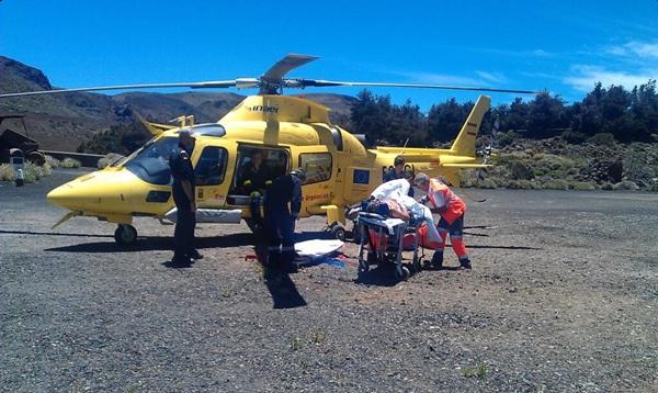 Un helicoptero medicalizado se desplazó al lugar de los hechos.