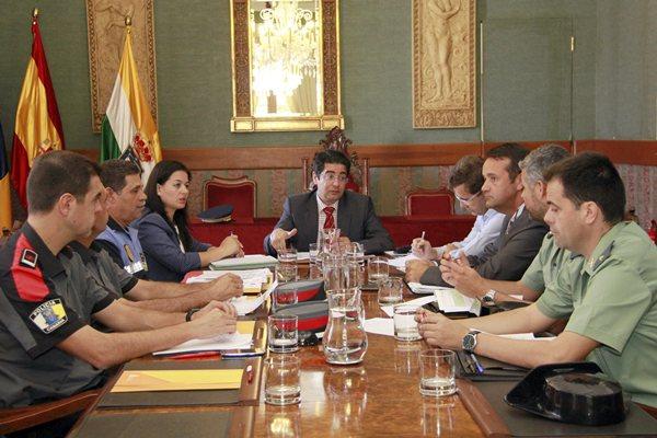 La Junta Local de Seguridad se reunió en en el Ayuntamiento de Guía de Isora. | DA