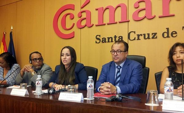 Imagen de los participantes en el foro intercontinental. / DA