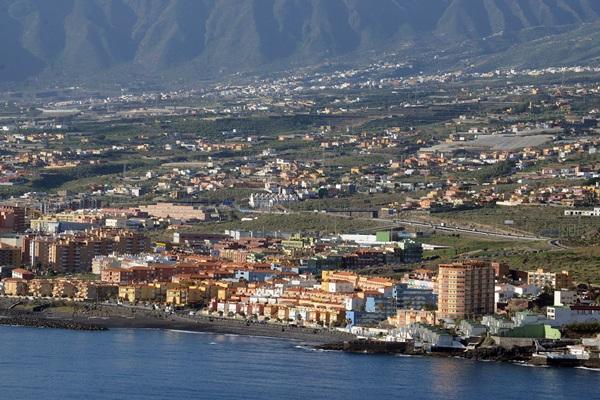 Vista aérea de Las Caletillas, uno de las zonas más poblados de Candelaria. / SERGIO MÉNDEZ