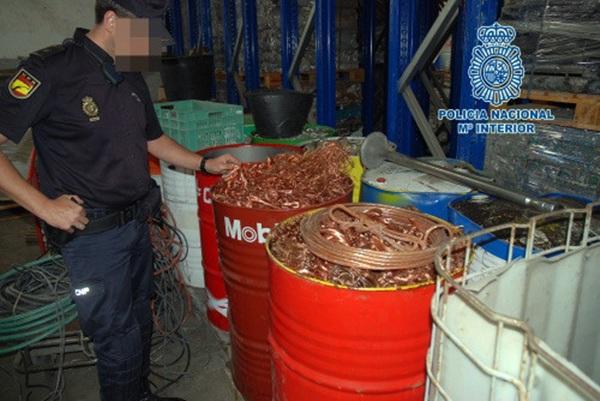 El operativo, desplegado en gran parte del país, ha permitido incautar 96 toneladas de metal sustraído. / DA