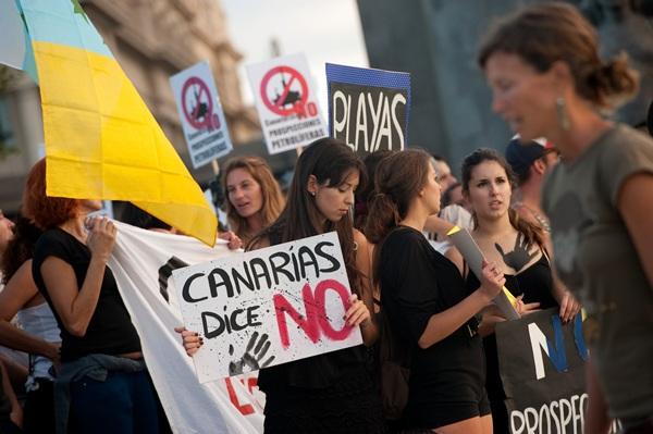 Manifestación del 7 de junio en Santa Cruz contra las prospecciones. / FRAN PALLERO