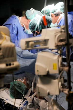 Los hospitales han perdido algunos de sus mejores profesionales.   F. P.
