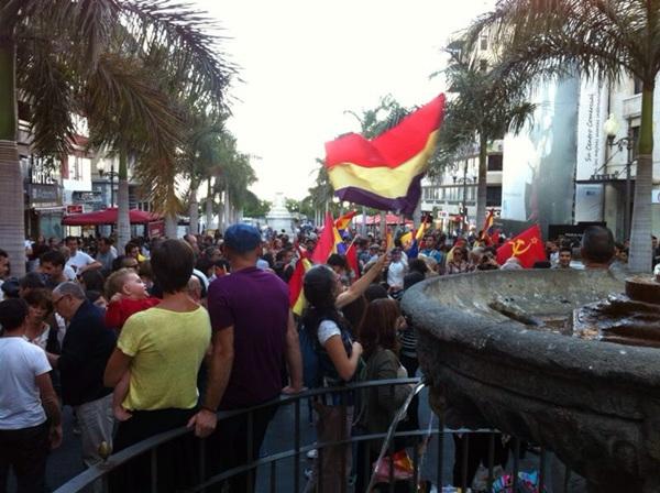 Manifestación republicana en Santa Cruz de Tenerife el pasado lunes.   DA