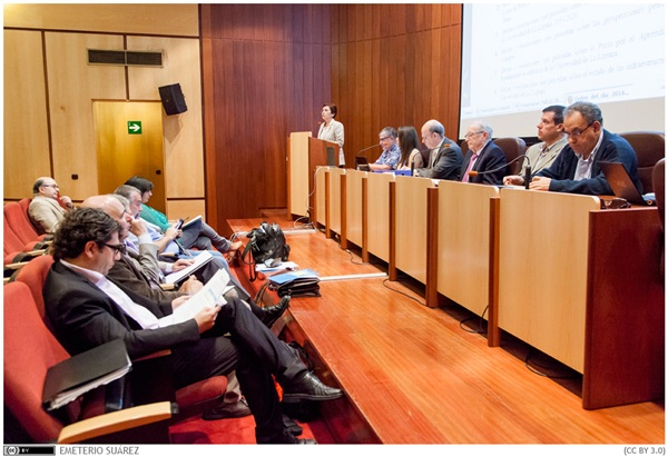 El rector de la Universidad de La Laguna, Eduardo Doménech, presidió el Claustro de la institución. / DA