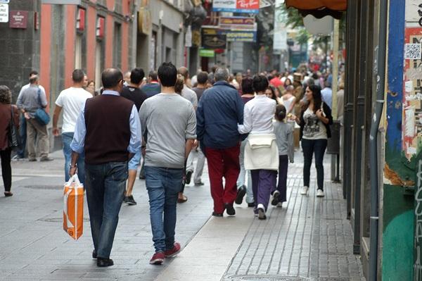 Imagen de archivo de una céntrica calle de la capital tinerfeña. / DA