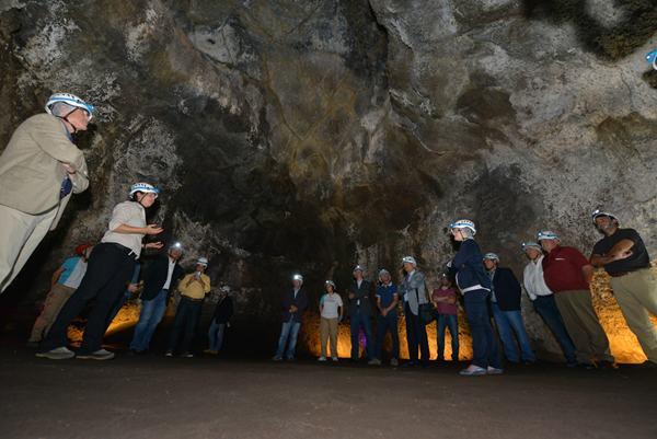 Acto de inauguración, celebrado ayer, del nuevo atractivo turístico de El Hierro. | DA