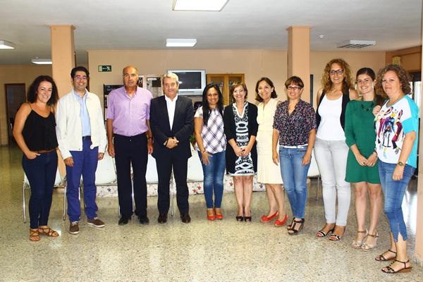 Abreu informó a los representantes municipales del sur de la Isla de las políticas sociales del Cabildo. / DA