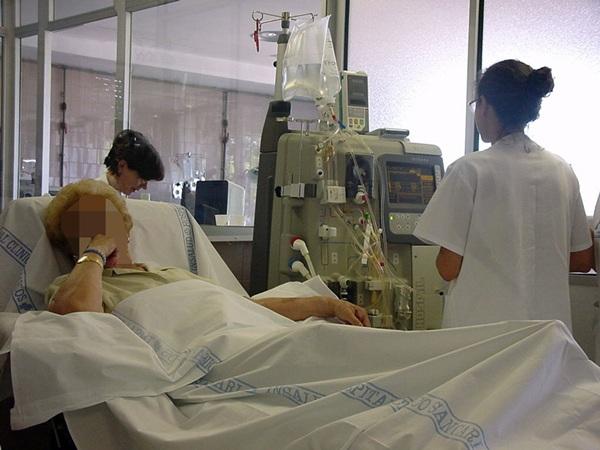 Uno de los colectivos más afectados por los recortes de personal sanitario en las Islas es el de los enfermeros./ DA