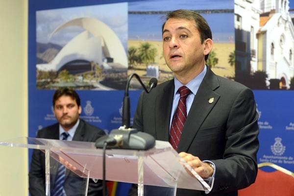 José Manuel Bermúdez defiende la actuación del Ayuntamiento. / S. M.