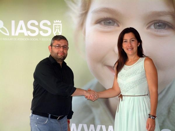 Miguel Ángel Pérez y Alicia Álvarez han renovado la colaboración entre ambas instituciones. / DA