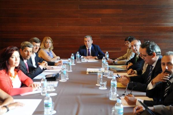 Reunión del Comité de Inversiones, convocado ayer por el presidente del Gobierno, Paulino Rivero. / DA