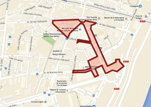 El Rastro discurrirá por siete calles que sufrirán cortes de tráfico y supresión de aparcamientos. / DA