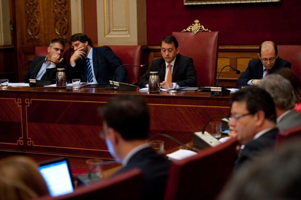 El pleno municipal celebrado ayer estuvo presidido por José Manuel Bermúdez y José Ángel Martín