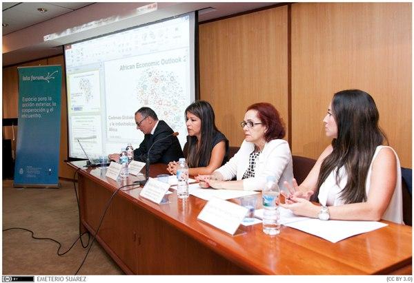 El informe se presentó ayer en la Facultad de Económicas de la Universidad de La Laguna. | DA