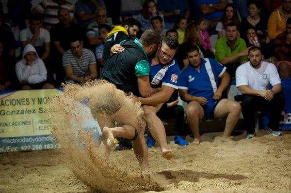 Ravelo y Llano del Moro volvieron a dar espectáculo ayer en El Sauzal. | FRAN PALLERO