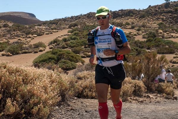 Un participante de la Tenerife Bluetrail 2013. / Félix González