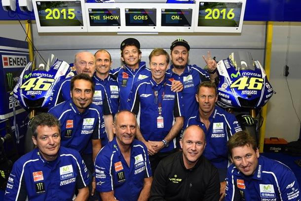 Valentino Rossi renueva con Yamaha