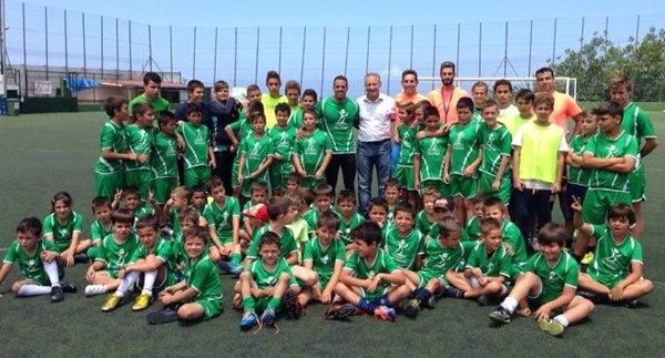 Vitolo con los participantes del X Campus de La Victoria de Acentejo. | DA