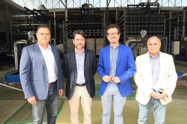 Alonso y Morales, junto a los concejales de Adeje y Arona. / NORCHI