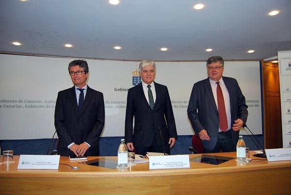 Andrés Orozco (i), José Miguel Pérez y Alberto Delgado hicieron balance del plan alimenticio para los niños. / DA