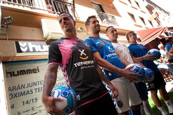 Vitolo, Aitor, Suso y Cámara, con los nuevos uniformes de 'batalla'. / fran pallero